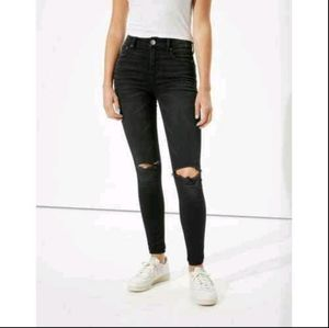 GREAT DEAL||American Eagle Black Knee Ripped Jeans